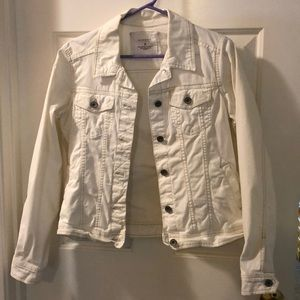 "GUC White cotton ""jean"" jacket. Size M Small stain"